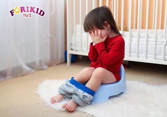 Bệnh táo bón ở trẻ là chứng bệnh khá phổ biến nếu như bé không có chế độ ăn hợp lý