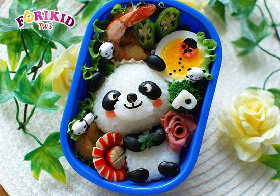 Bento hình gấu trúc ngộ nghĩnh có thêm cả trứng và tôm