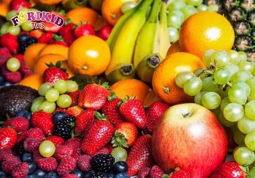 Luôn bổ sung hoa quả có tính mát trong các bữa ăn cho con