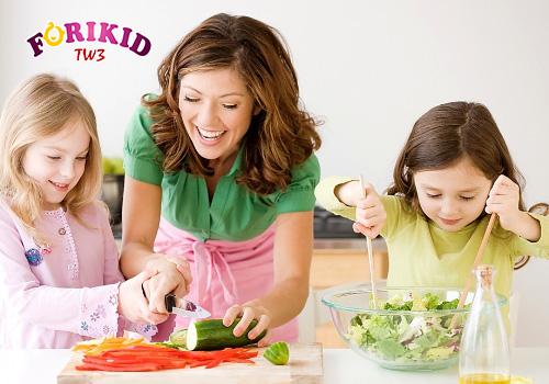 bổ sung dinh dưỡng cho trẻ ra mồ hôi trộm nhiều ở đầu