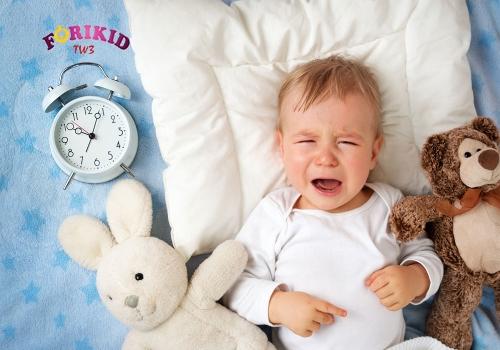 Trẻ 3 tháng tuổi quấy khóc kèm theo chứng đổ mồ hôi trộm
