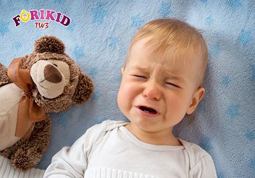 cách chữa mồ hôi trộm cho bé 8 tháng tuổi