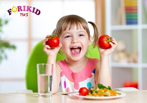 Bổ sung thực phẩm tươi mát khi thấy hiện tượng ra mồ hôi trộm ở trẻ