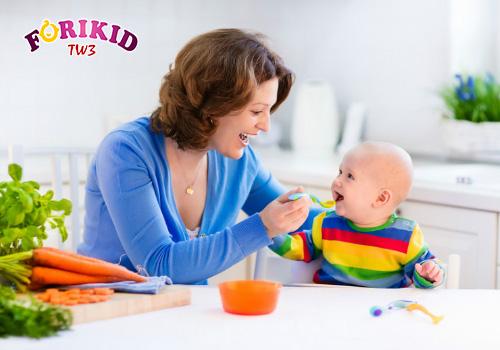 Bổ sung đủ chất dinh dưỡng, đề phòng chứng mồ hôi trộm ở trẻ