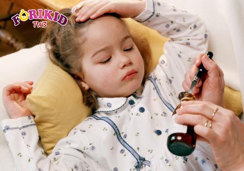 Áp dụng các cách dân gian chữa mồ hôi trộm ở trẻ