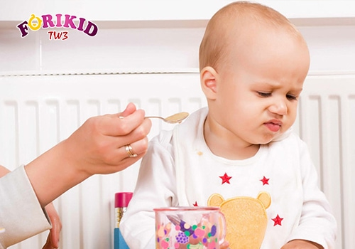 tình trạng đổ mồ hôi trộm ở trẻ