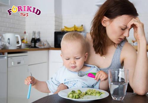 Thói quen ăn uống không hợp lý khiến trẻ biếng ăn