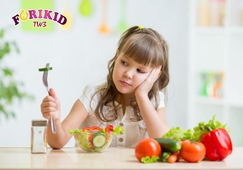 Sinh lý thay đổi khiến trẻ biếng ăn