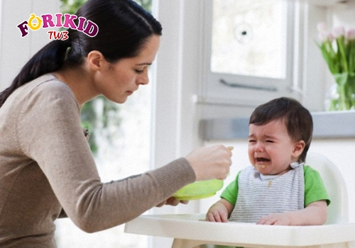 Dùng thuốc biếng ăn cho trẻ thôi chưa đủ, mẹ cần hết sức chú ý khi chăm sóc cho con biếng ăn