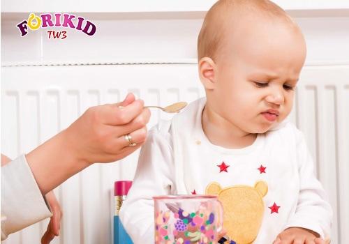 Tình trạng trẻ 1 tuổi biếng ăn khiến cha mẹ lo lắng