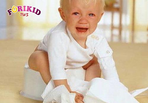Táo bón gây ra chứng biếng ăn ở trẻ 1 tuổi