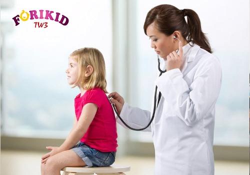 khám bệnh cho trẻ biếng ăn