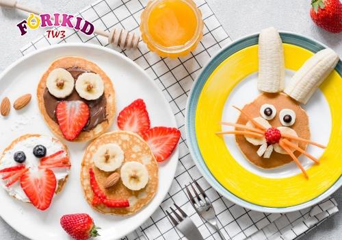Trang trí món ăn đẹp mắt sẽ tạo hứng thú ăn hơn cho con