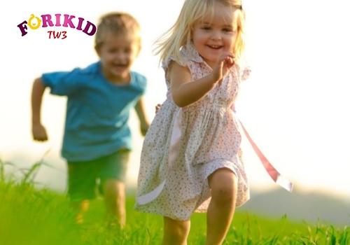 Vận động khiến trẻ nhanh tiêu hao năng lượng vè thèm ăn hơn