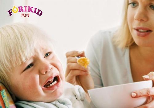 Có thể dễ dàng nhận thấy khi trẻ biếng ăn qua biểu hiện của trẻ
