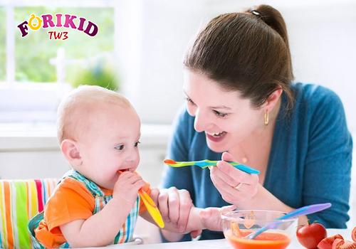 Bổ sung đầy đủ chất dinh dưỡng giúp cơ thể bé nhanh phục hồi và khỏe mạnh