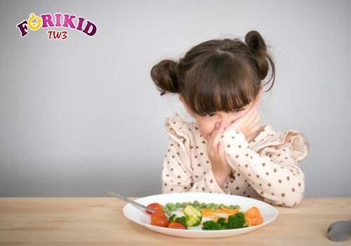 Bé biếng ăn có thể do sinh lý hoặc bệnh lý