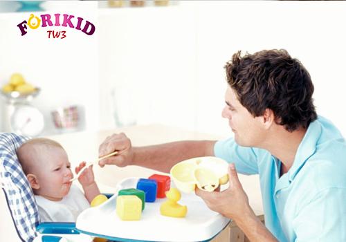 Trẻ biếng ăn khiến cha mẹ lo lắng