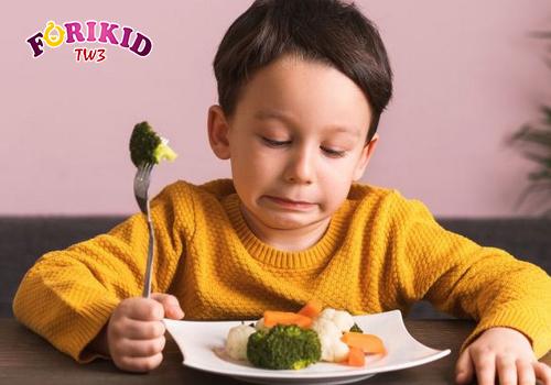 Trẻ biếng ăn, ngán ăn khiến cơ thẻ chậm phát triển