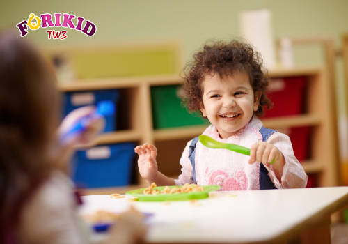 Thử những món mới khi trẻ biếng ăn