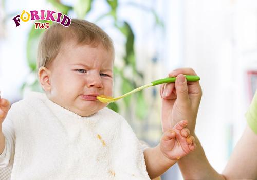 Sự thay đổi về mặt sinh lý khiến trẻ biếng ăn