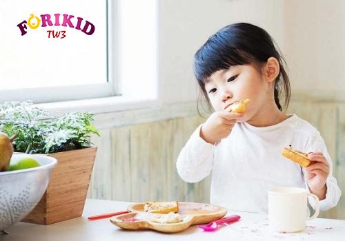 Tìm ra món ăn con ưa thích để trị biếng ăn cho trẻ