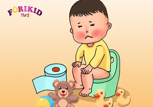 Táo bón gây nên sự khó chịu và đau đớn cho bé khi đi ngoài