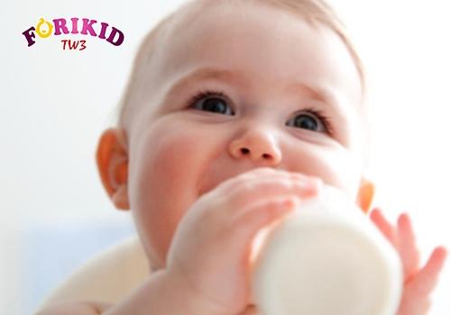 """Chế độ dinh dưỡng không hợp lý khiến bé rơi vào vòng luẩn quẩn """"táo bón mãn tính"""""""