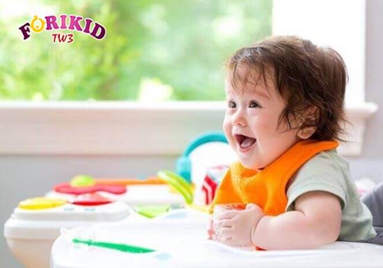 Thực đơn ăn dặm phù hợp sẽ giúp trẻ 6 tháng hết biếng ăn, ăn ngon miệng hơn