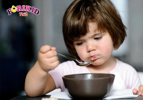 Trẻ mới ốm dậy biếng ăn khiến nhiều cha mẹ lo lắng