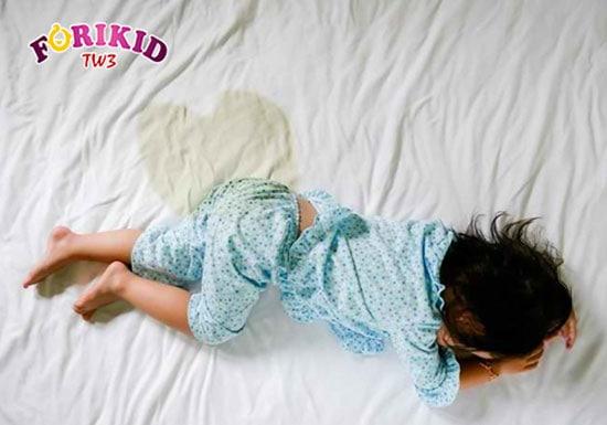 Trẻ lớn vẫn đái dầm có nguy hiểm?