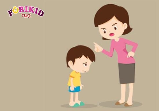 Trẻ 8 tuổi có thể biếng ăn tâm lý do hay bị mẹ la mắng