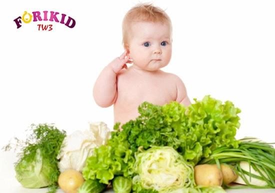 Bổ sung đầy đủ chất xơ cho bé 7 tháng ăn dặm bị táo bón
