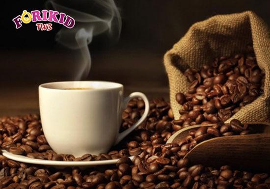 Các đồ uống chứa caffein làm trẻ đái dầm nhiều hơn