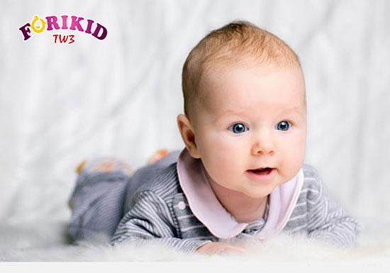 Chế độ ăn uống quyết định nhiều trong việc dẫn đến chững táo bón ở trẻ sơ sinh