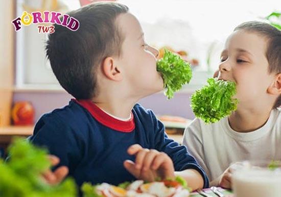 Tăng cường chất xơ trong thực đơn của trẻ sẽ giúp cải thiện táo bón một cách hiệu quả