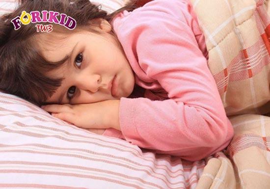 Trẻ khó ngủ hay trằn trọc ảnh hưởng lớn đến sức khỏe