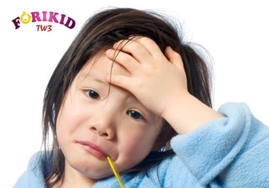 Trẻ có thể bị nhiệt khi hệ miễn dịch yếu