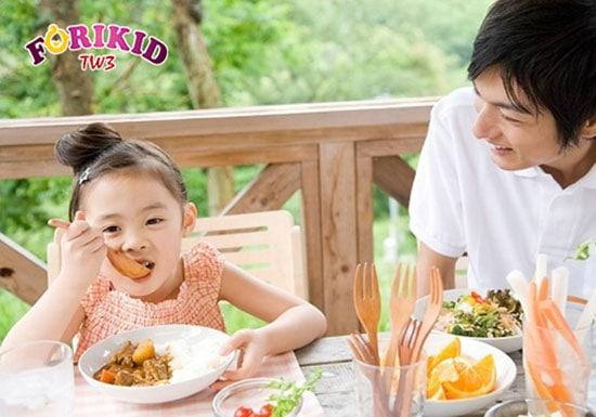 Vitamin giúp kích thích trẻ ăn ngon miệng hơn