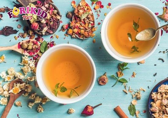 Các loại trà thảo mộc thanh mát kích thích trẻ thèm ăn