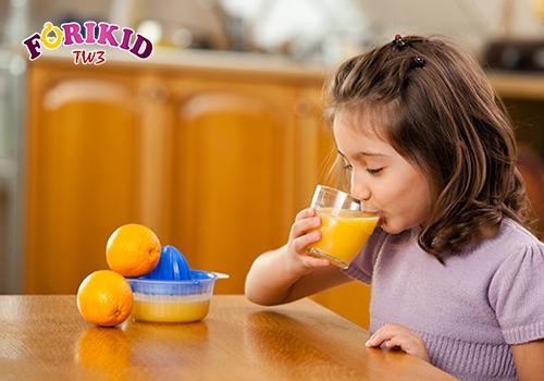 Cam là thực phẩm kích thích cho bé hiệu quả