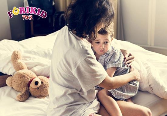 Trẻ bị nóng trong lâu ngày sẽ bị suy nhược cơ thể