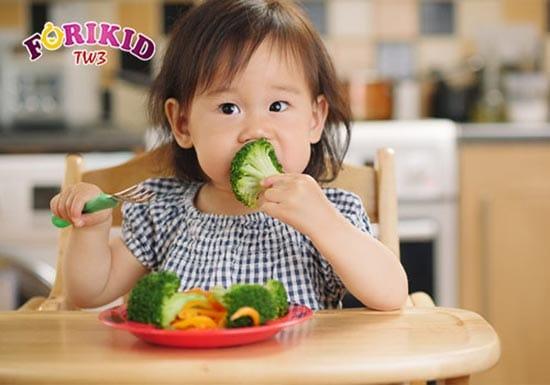 Tìm cách giúp trẻ ăn ngon miệng không phải điều dễ dàng
