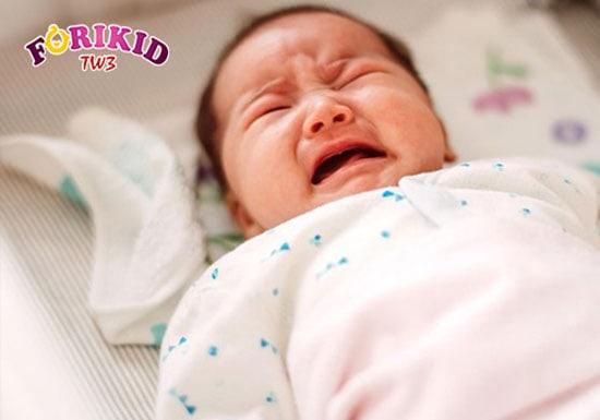 Nhận biết 10 triệu chứng táo bón ở trẻ sơ sinh