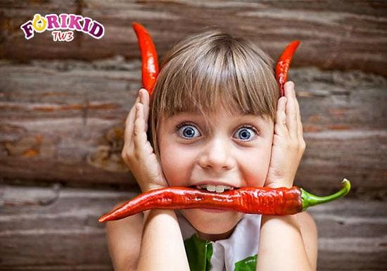 Ăn cay ở trẻ nhỏ hoàn toàn không hề tốt cho sức khỏe một chút nào