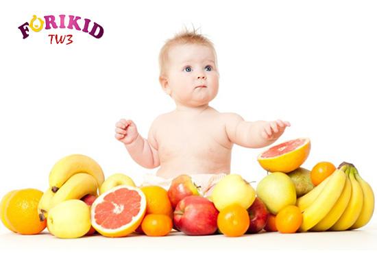 Hoa quả vừa bổ sung chất sơ mà còn vô cùng bổ dưỡng cho sự phát triển của trẻ