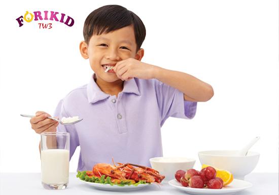 Đảm bảo dinh dưỡng cần thiết là cách đảm bảo cho sự phát triển thể chất lẫn trí tuệ của bé