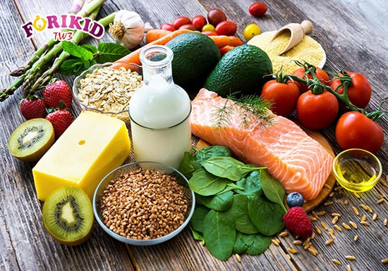 Bữa ăn của trẻ cần đảm bảo cung cấp đầy đủ các nhóm dưỡng chất cần thiết