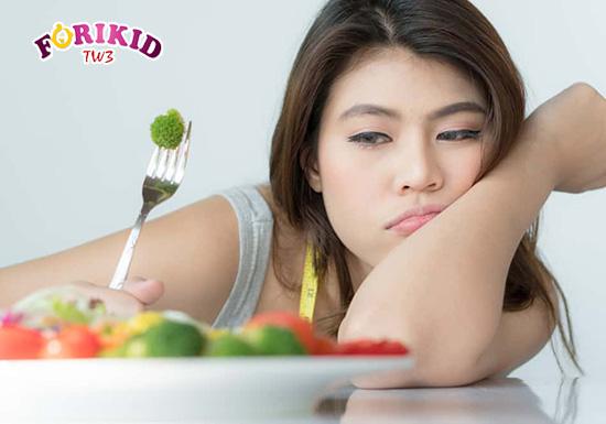 Một số bệnh lý, vấn đề sức khỏe cũng ảnh hưởng và khiến mẹ biếng ăn sau sinh