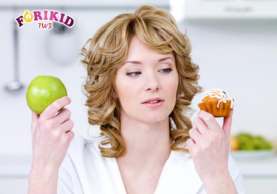 Chế độ dinh dưỡng của mẹ thiếu chất xơ ảnh hưởng tới tình trạng tiêu hóa và gây ra táo bón ở trẻ 2 tháng tuổi